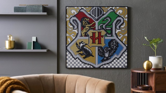 The Hogwarts crest in LEGO form.
