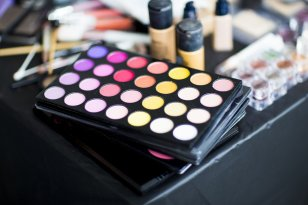 How to find a way to save money when buying cosmetics