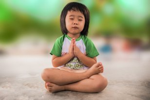 How to find a way to recognize an indigo child and how to treat it