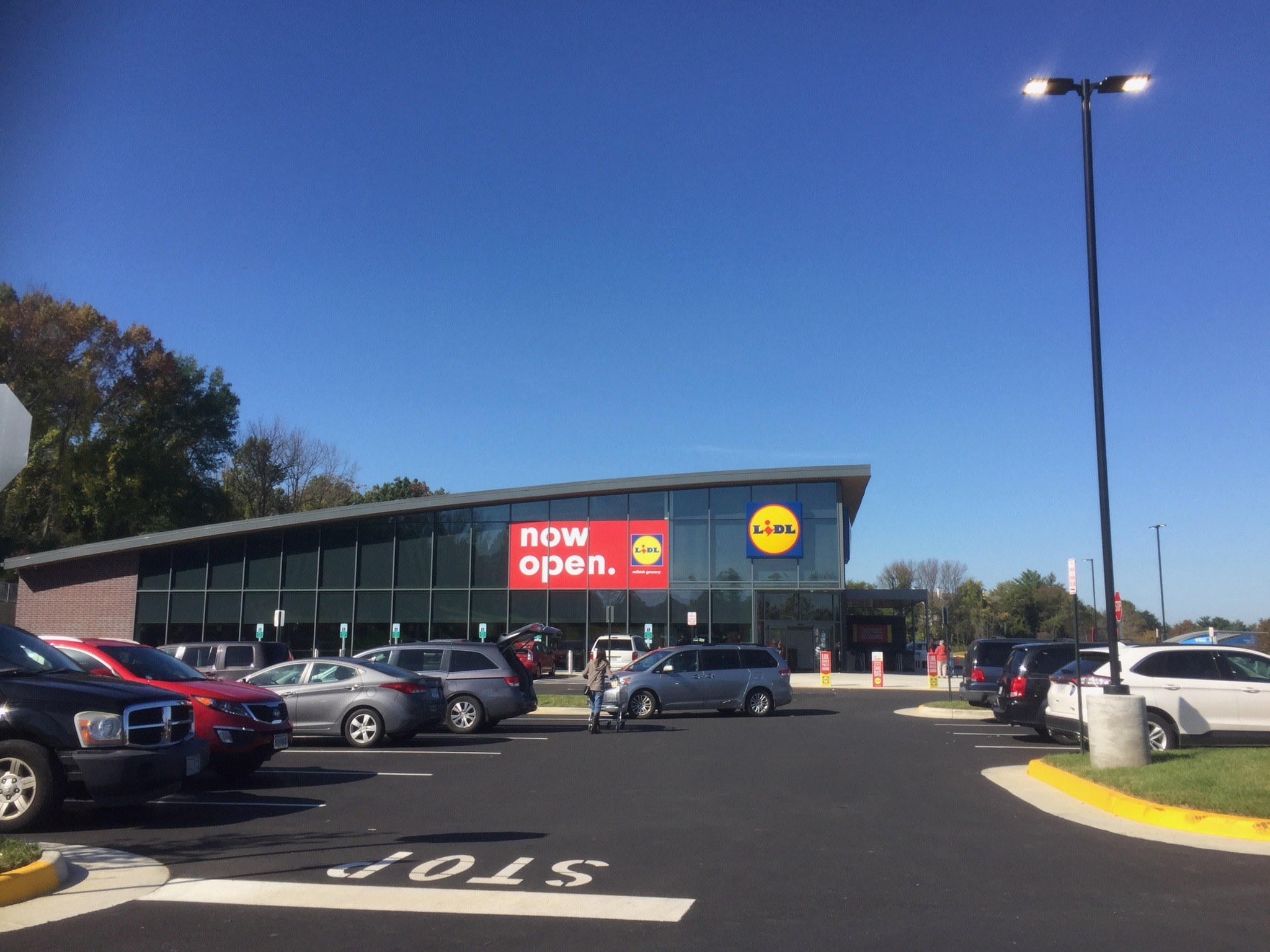Inside a Lidl store in the US: How does it compare to Aldi?