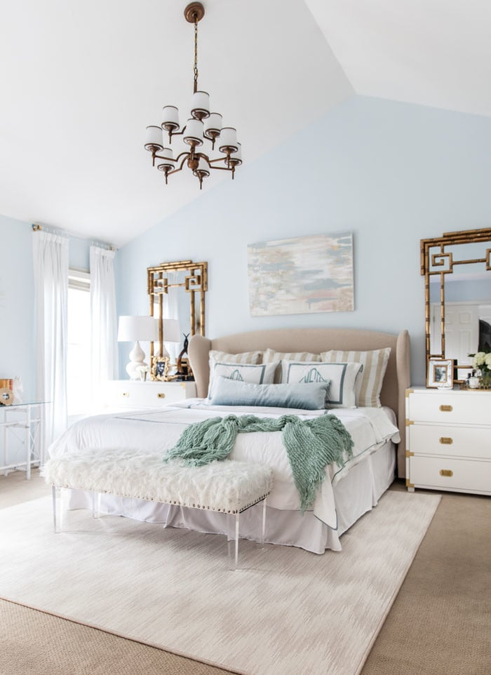 20 Master Bedroom Makeovers - Decorating Ideas and Inspiration on Makeup Bedroom  id=95735