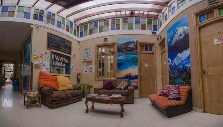 Best Hostels Lima - Chill-out area in alpes hostel