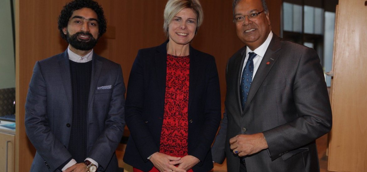 Baldewsingh (right), with princess Laurentien (center)