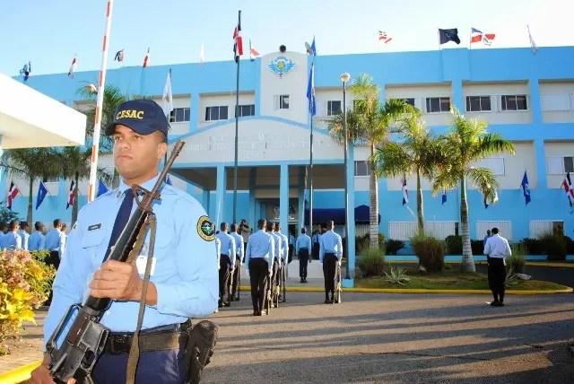 Los candidatos deben presentarse a las 8:00 de la mañana, en la Escuela de Seguridad de la Aviación Civil (ESAC). Fuente externa