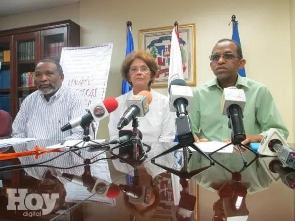 El Centro de Estudios de Género del Instituto Tecnológico de Santo Domingo (CEG-INTEC) y la Asociación Dominicana de Profesores (ADP) exhortaron hoy a los congresistas priorizar en la próxima legislatura, la aprobación de los proyectos de ley para el fortalecimiento del marco legal que protege los derechos de las mujeres.