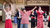 www.sansebastianfestival.com 2008 img fotos perlas p ZP HAPPY GO LUCKY