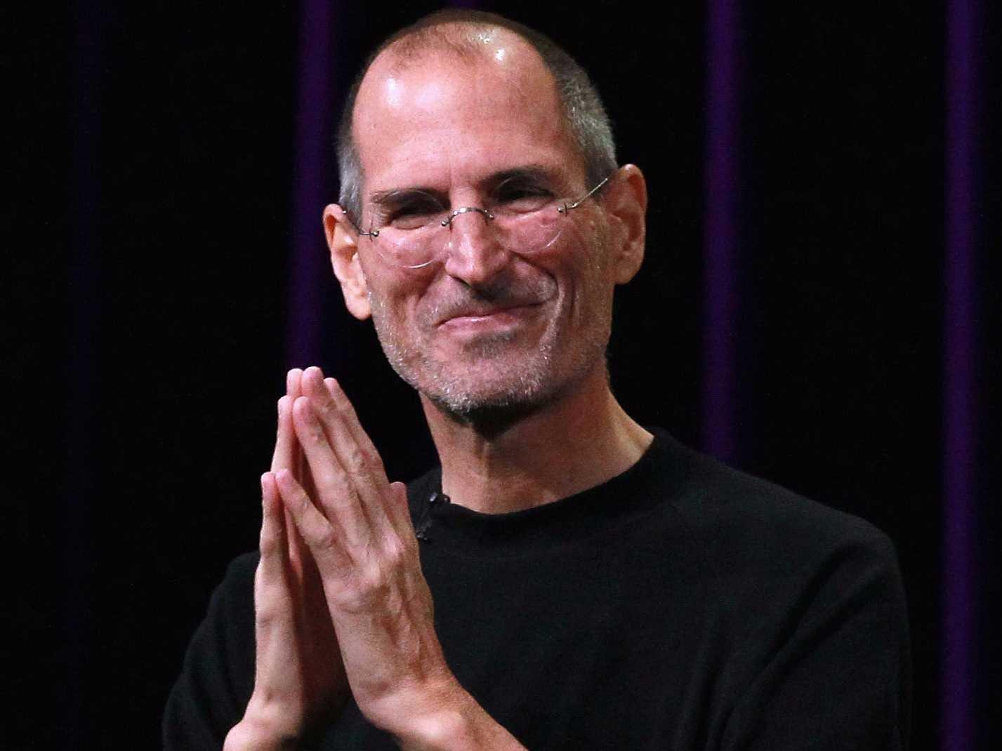 El día que Steve Jobs tiró un prototipo de iPhone al suelo en una sala llena de periodistas