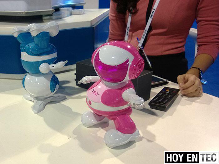 CES-2014-El-robot-bailador-para-los-ninos-DiscoRobo