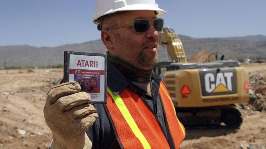 Desentierran copias del videojuego de E.T. en Nuevo México