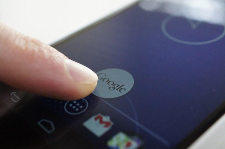 Google Now ya puede enviar mensajes de voz en WhatsApp