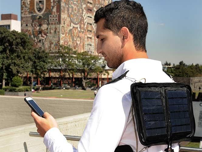 Estudiante de la UNAM crea un Cargador Solar Portátil para Smartphones-1