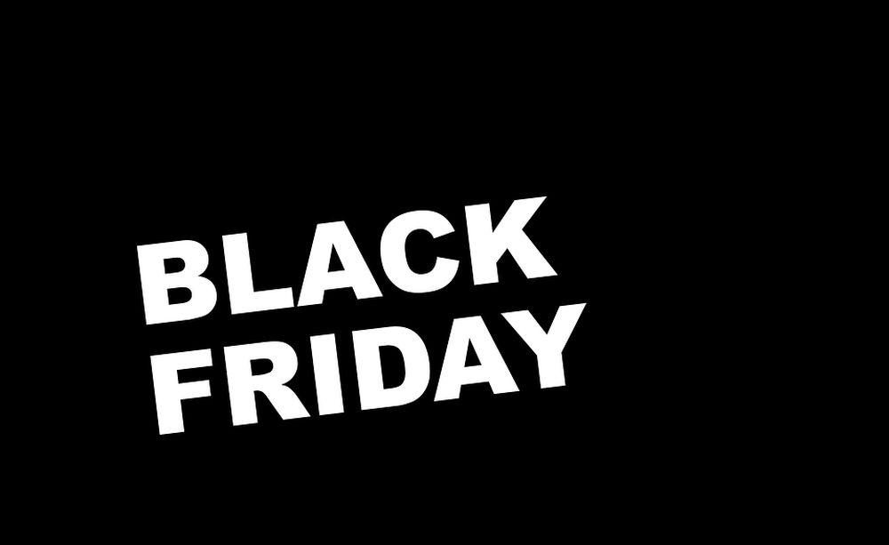 Memes en las redes sociales sobre locura por compras — Black Friday