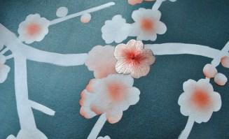 Misha Wallpaper Kirschblüte Stickerei auf Seide - Hoyer & Kast Interiors