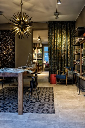 Hoyer & Kast Interiors Showroom Teppich