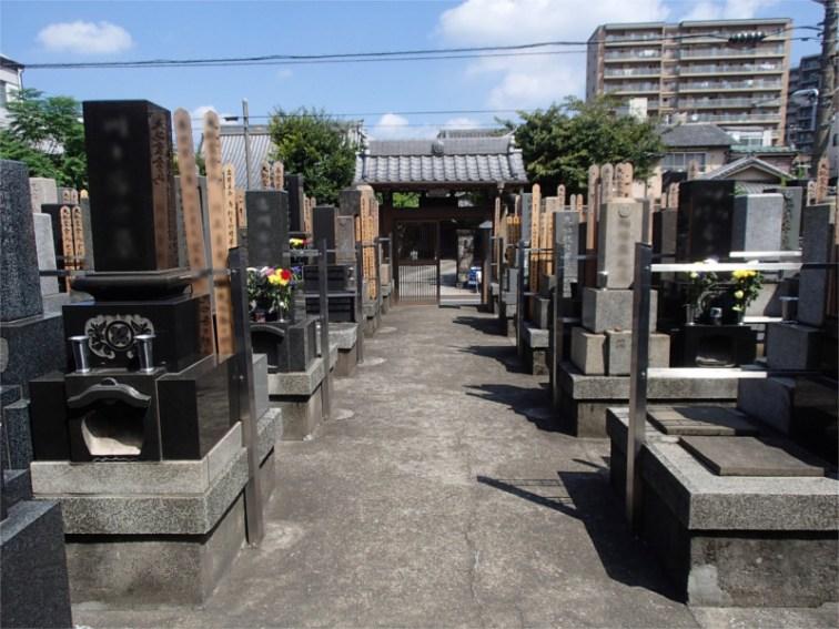 福寿墓苑 メイン通路