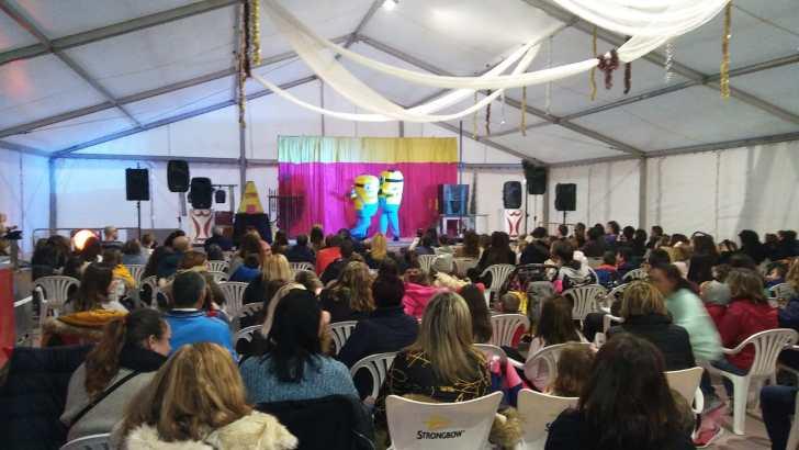 La primera Gala del Comercio de Buñol se cierra con un éxito de participación