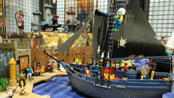 La Biblioteca de Buñol acoge una exposición de Playmobil