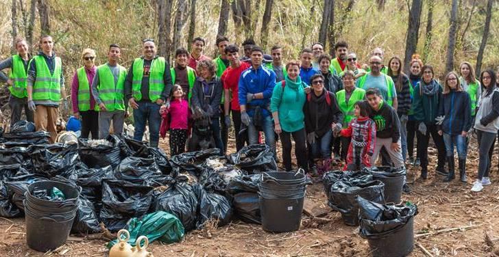 Las imágenes de la limpieza del río de Alborache