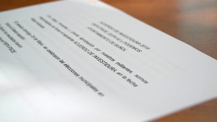 PSOE, EU y Podemos firman el acuerdo de Gobierno para los próximos cuatro años en Buñol