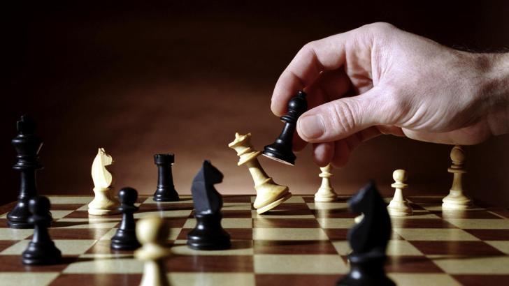 Buñol se prepara para los torneos de ajedrez de las fiestas