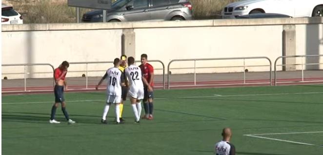 El CD Buñol sufre la primera derrota de la temporada ante el Ribarroja (1-0)