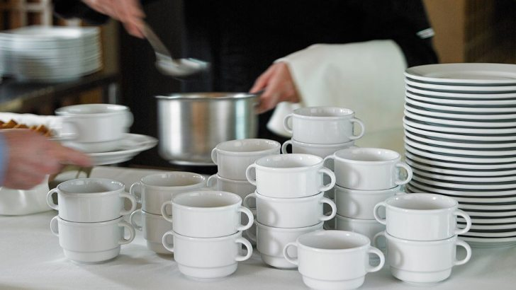 La empresa Porvasal ubicada en Chiva recibe hasta cinco ofertas de compra