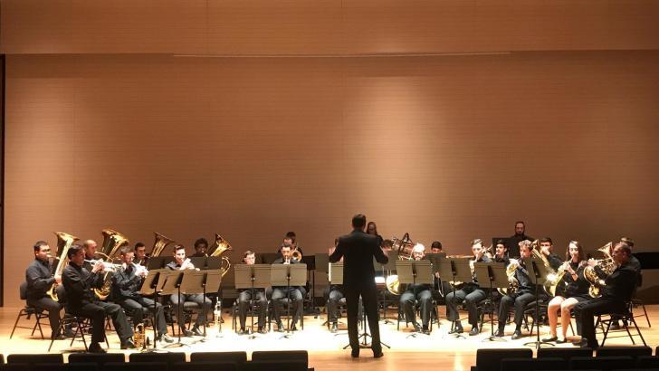 La Brass Band de «La Armónica» de Buñol actúa en Rafelbunyol