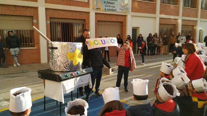 El Colegio Sagrada Familia Atalaya de Buñol celebra el «Día de la Paz»