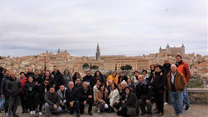 La Asociación de Comerciantes de Buñol viaja a Madrid con los agraciados en el sorteo de la campaña de Navidad