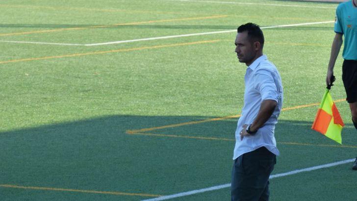 Adrián Ferrandis renueva con el CD Buñol