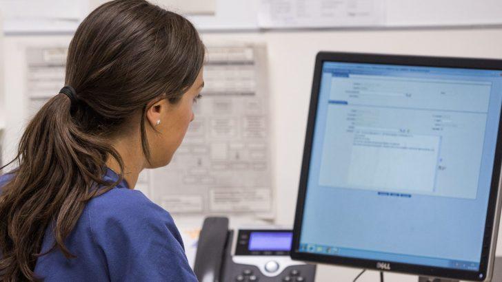 Manises utiliza la tecnología para garantizar una atención sanitaria segura y de calidad a la población