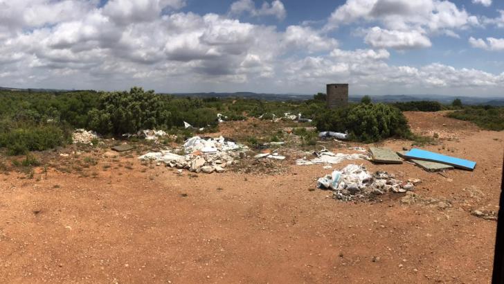 Yátova pide a los vecinos que eviten el vertido de residuos y cuiden el patrimonio natural