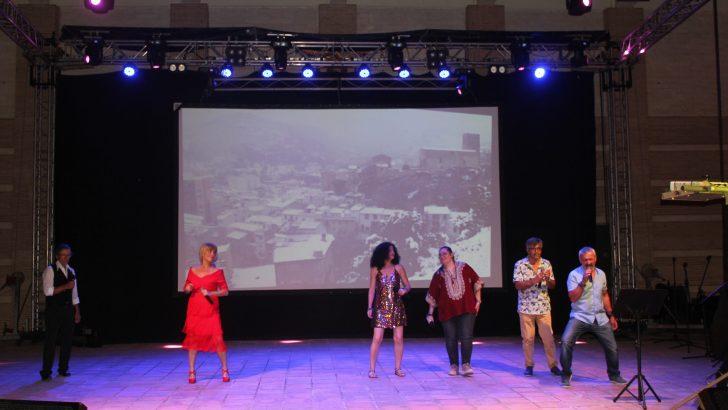 Las imágenes del Festival de la Canción celebrado en el Auditorio de Buñol