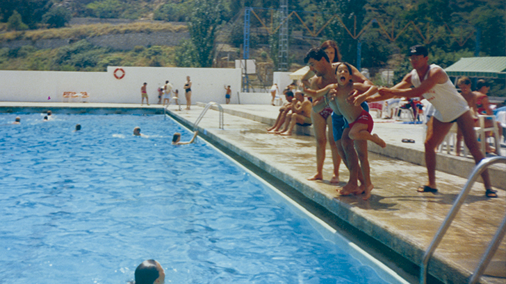 Una tarde en la piscina