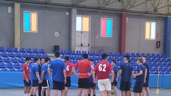 El Club Balonmano Buñol comienza la temporada con la intención de incorporar a más jugadoras y jugadores