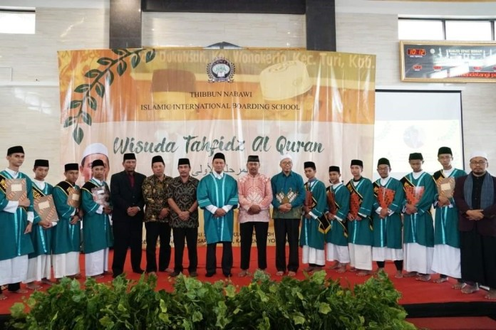 Wisuda perdana Santri/Santriwati Pesantren HPAIC Merapi Juli 2018
