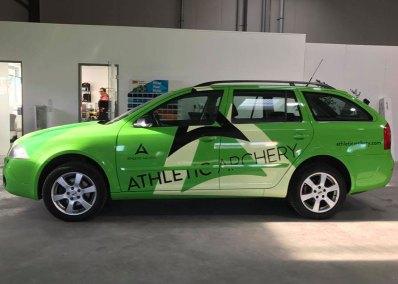 HplusB-Design-Fahrzeugbeklebung-Athletic-Apchery-seitlich