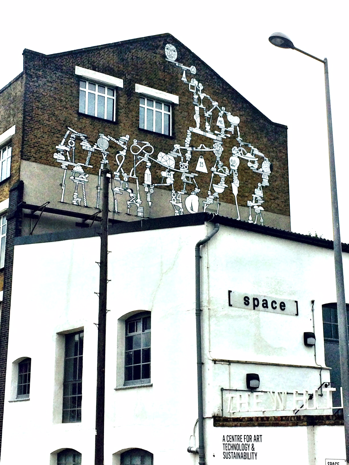 the white building graff