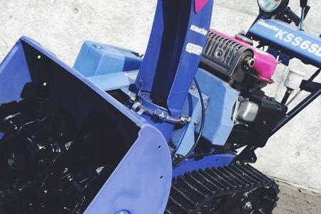 コマツ除雪機KSS6SDF レアヤマハがOEMとして供給したこのモデルはベストセラーYT660EDJと同機種このコマツならではの配色はファンも多いよくみると三色を使っている手の込んだ仕様問題は補修用カラーがないことで程度の悪い個体が多いガスアシストオーガ&二段シューターナカムラ除雪機販売はプロフィールのリンクからどうぞ ←ヤフオクでも出品中#除雪機#ヤマハ#YAMAHA#冬#札幌#SAPPORO#中古除雪機販売#送料無料#全国発送#ヤフオク#コマツ#YT660EDJ#KSS6SDF