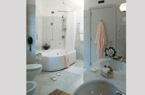 Suite Bathrrom