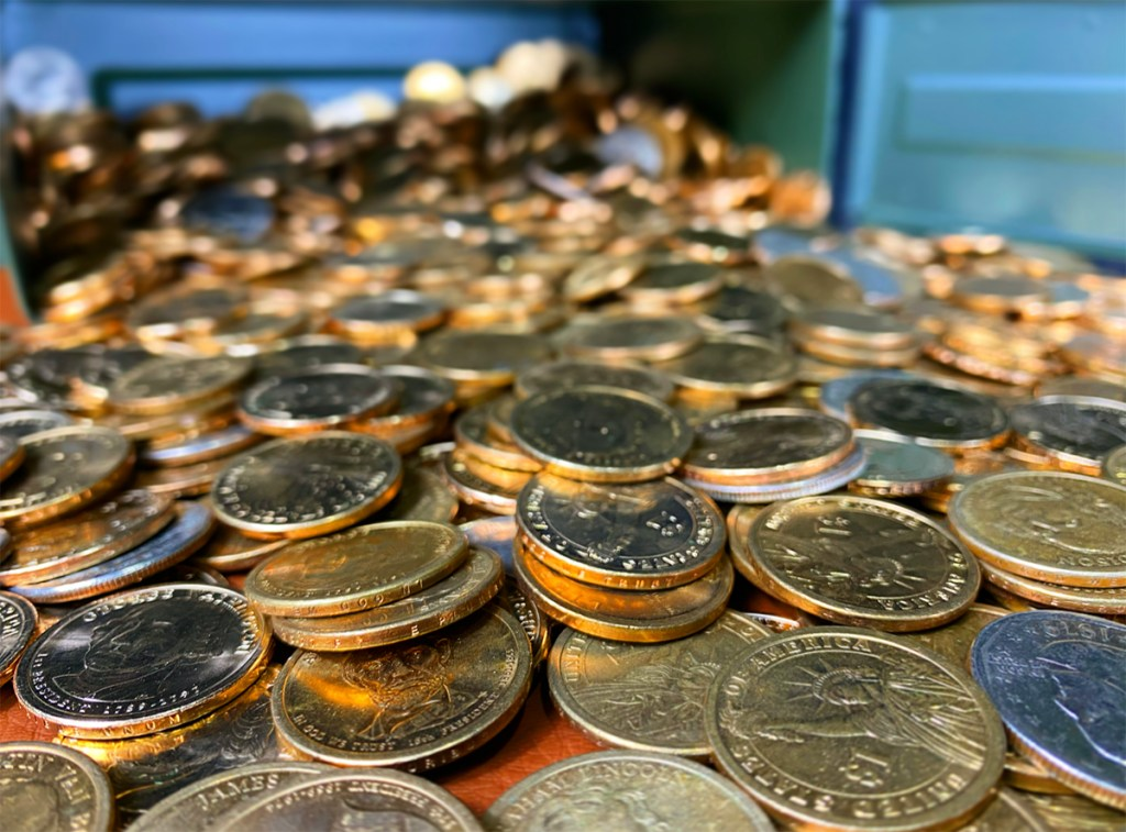 coinsSpillingOut