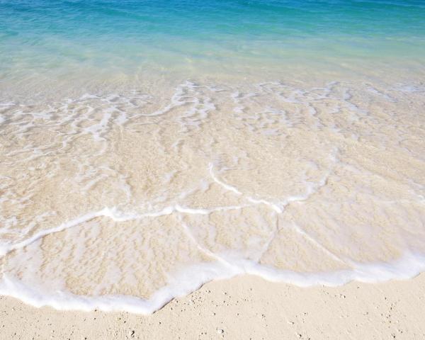 Песок берег вода обои для рабочего стола картинки фото