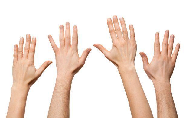 Власниці довгого вказівного пальця частіше зраджують чоловікам