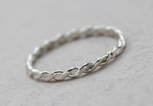 Сильный заговор на девичью красоту «на серебряное кольцо ...