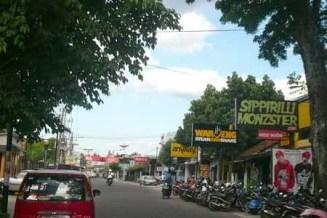 http://2.bp.blogspot.com/-4Rzzf9FYQ6o/U2miTNrynaI/AAAAAAAAAJM/w2DTCX65FNI/s1600/Jalan-Cendrawasih-Demangan.jpg