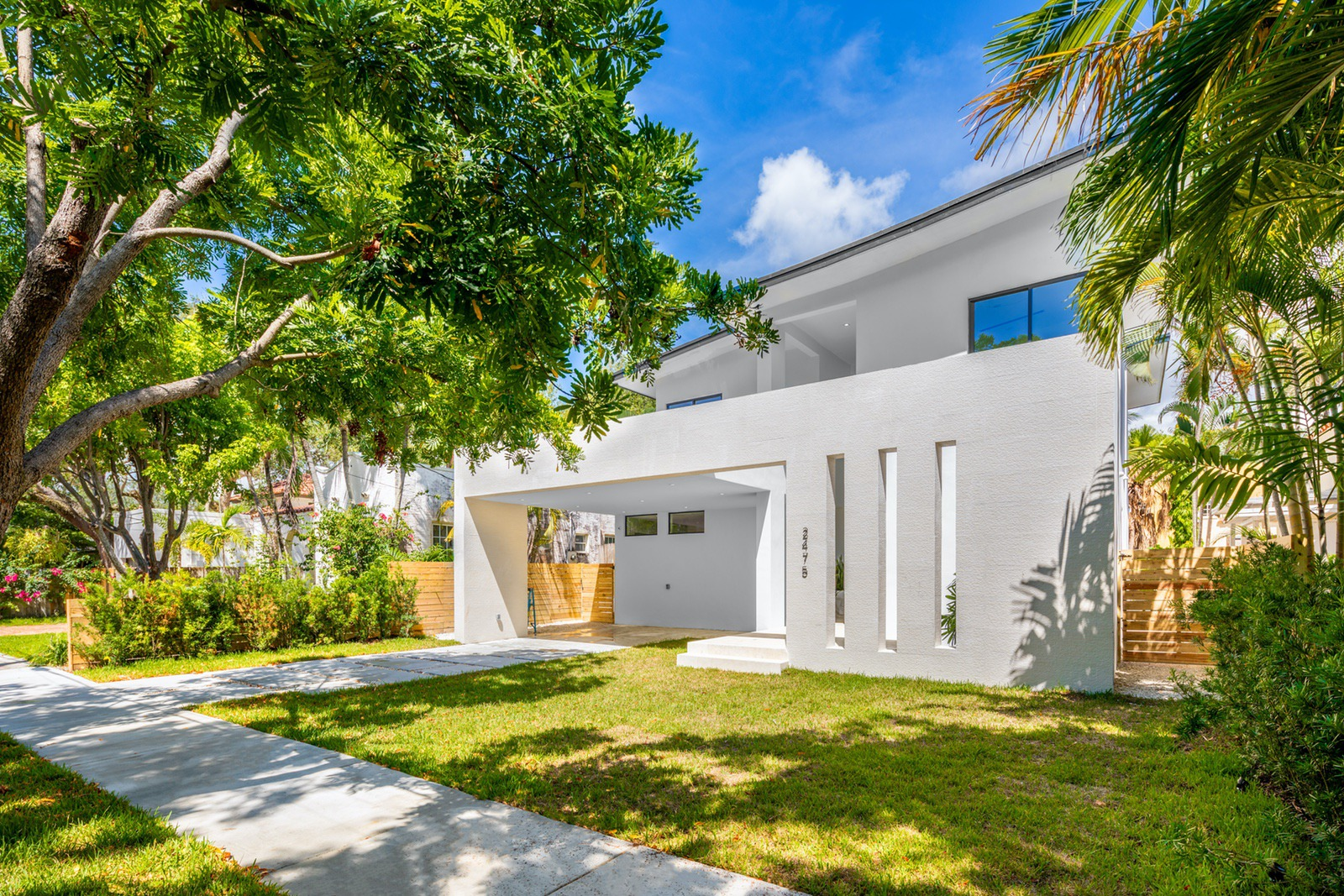 2475, Lincoln Avenue, Miami Beach