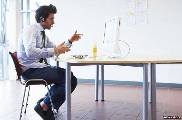 Praktiniai patarimai kaip pasiruoši darbo pokalbiui per Skype