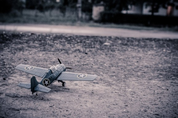 model-aircraft-384868_1280