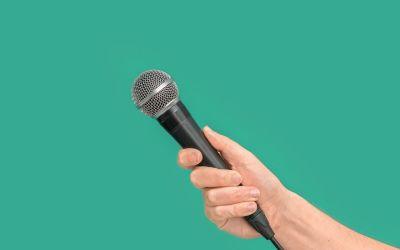 Wywiad - zdjęcie z mikrofonem