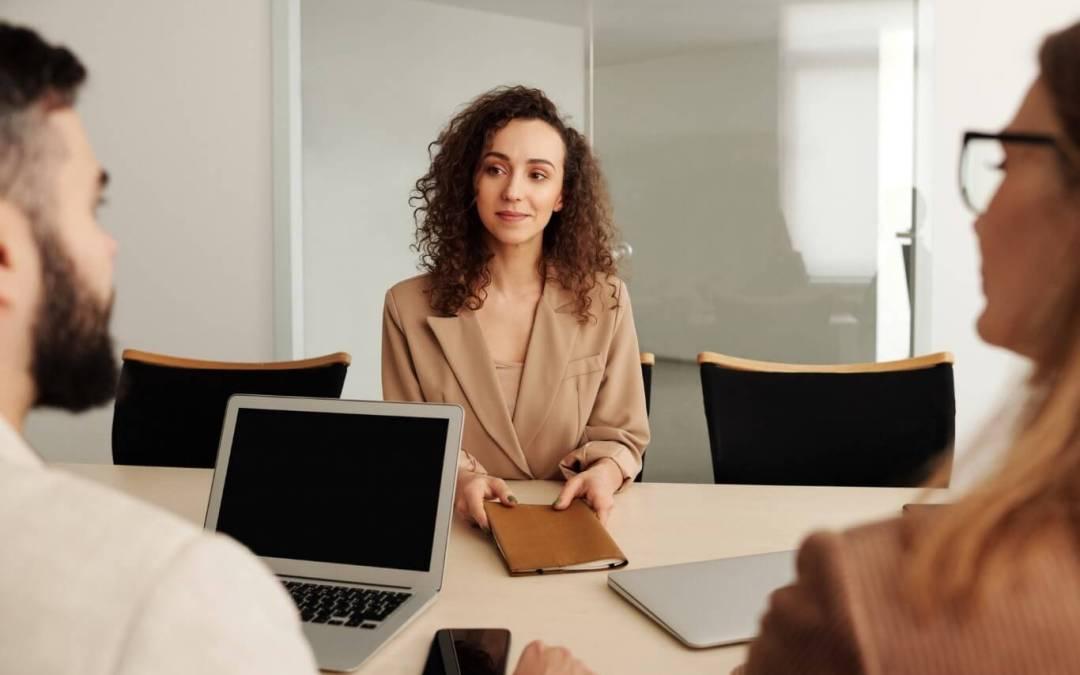 Jak rekrutować w IT? – poznaj How to Hire